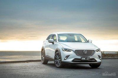 Mazda CX-3 sTouring 2017 được bổ sung la-zăng hợp kim 18 inch với lốp xe thể thao thấp