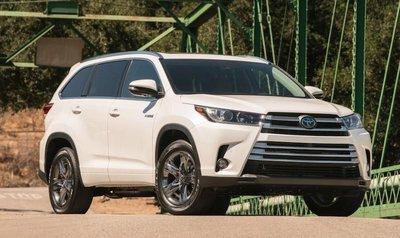 Toyota rót 370 triệu USD vào động cơ hybrid trên Highlander 2