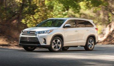 Toyota rót 370 triệu USD vào động cơ hybrid trên Highlander.