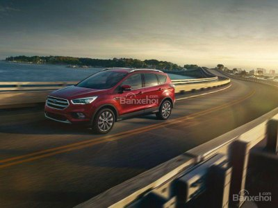 Ford Escape màu đỏ