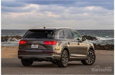 So sánh Audi Q5 và Audi Q7 2018 về khoang hành lý..