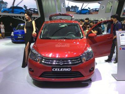 Ảnh chụp Suzuki Celerio màu đỏ từ phía trước