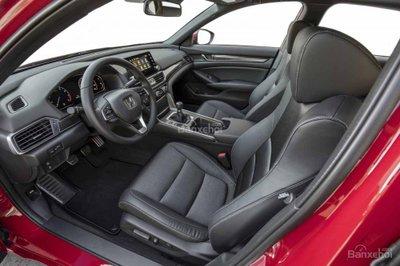 nội thất xe Honda Accord 2018