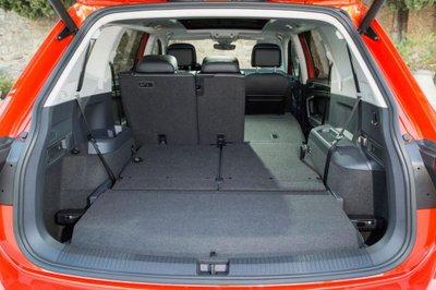 Khoang hành lý xe Volkswagen Tiguan Allspace 4