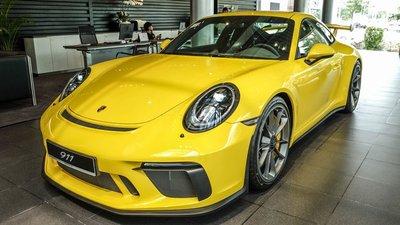 Soi chiếc Porsche 911 GT3 2018 nhập khẩu chính hãng đầu tiên tại Việt Nam 1