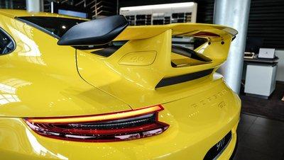 Soi chiếc Porsche 911 GT3 2018 nhập khẩu chính hãng đầu tiên tại Việt Nam a7
