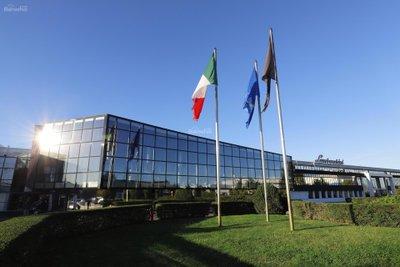 Doanh thu Lamborghini vượt mốc 1 tỷ euro trong năm 2017 2a