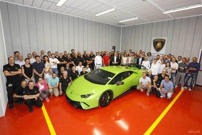 Lamborghini Huracan cán mốc sản xuất 10.000 chiếc 2