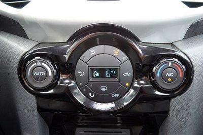 Bí kíp dùng điều hòa ô tô đúng cách dành cho tài mới 10