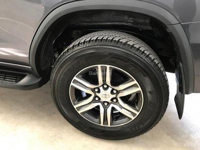 Giá xe Toyota Fortuner 2017 cũ áp đảo xe mới, không dưới 1 tỷ đồng - a7