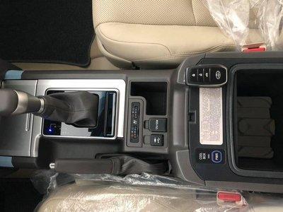 Toyota Prado VX 2018 nhập khẩu tư nhân đắt hơn giá hãng gần tỷ đồng - Ảnh 4.