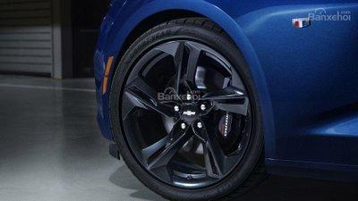 Chevrolet Camaro 2019 cập nhật công nghệ mới - 4