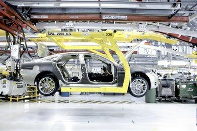Doanh số sụt giảm, Jaguar Land Rover cắt giảm 1.000 việc làm tại Anh 2a