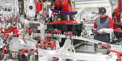 Tesla ngừng dây chuyền sản xuất Model 3 để sửa lỗi 1a