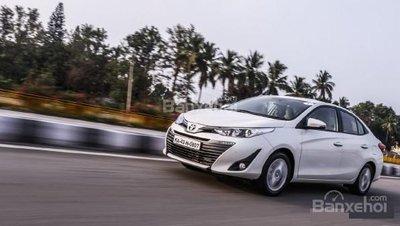 Toyota Yaris ra mắt Ấn Độ và đặt mục tiêu bán 40.000 xe/năm.