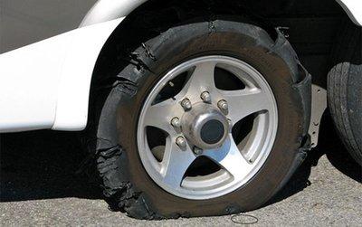 Trời nắng nóng, ''''''''tóm gọn'''''''' các bí kíp phòng tránh nổ lốp xe ô tô 5