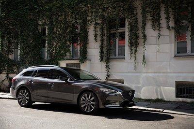 Xe Mazda6 2018 sử dụng động cơ diesel tại Nhật Bản có gá khởi điểm 589 triệu đồng a12