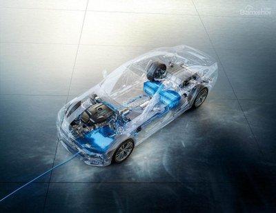 BMW trình làng hệ thống sạc xe hybrid không dây với BMW 530e iPerformance  - 2