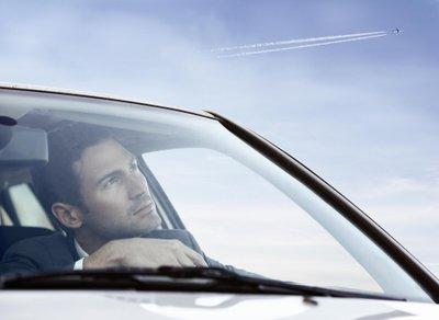 7 thói quen gây xao nhãng khi lái xe ô tô: Lái xe khi đang buồn ngủ z