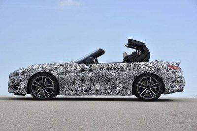 BMW Z4 M40i 2018 lộ diện trong bộ dạng roadster thuần chủng a11