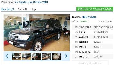 Chiếc ô tô Toyota Land Cruiser đời 2004 được rao bán trên chợ xe hơi cũ