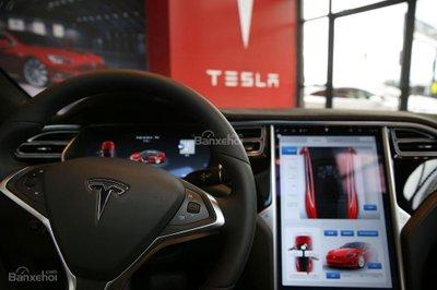 Trễ hạn, Tesla Model 3 hủy đặt hàng số lượng lớn - 2