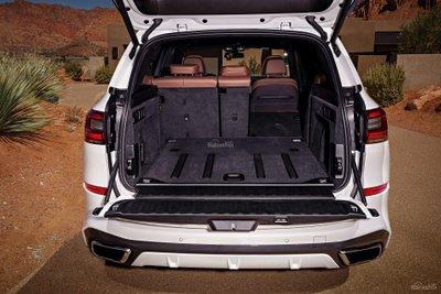 Dung tích khoang chứa đồ của BMW X5 2019 lên đến 645 lít khi chưa gập ghế z