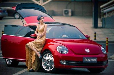 Chiêm ngưỡng người đẹp và xe Volkswagen Beetle a8