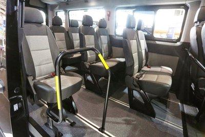 Ghế hành khách của Huyndai Solati cũng được thiết kế mới1