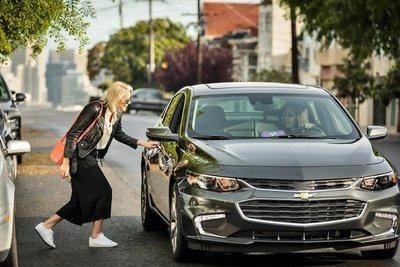 Xe ô tô tự lái chạy điện có những lợi ích gì? 2.