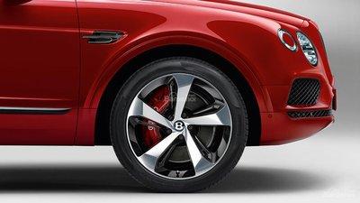 Bentley Bentayga V8 về Việt Nam