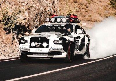 """Rolls-Royce Wraith nguyên bản được thay thế với ngoại hình cực """"dị""""2"""