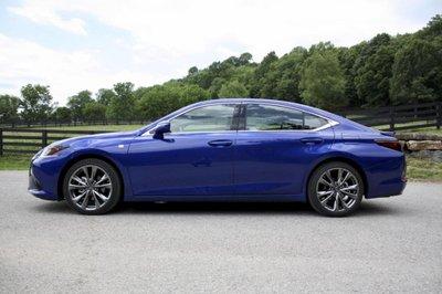 Lexus ES 2019 phiên bản thể thao đầy cuốn hút 2