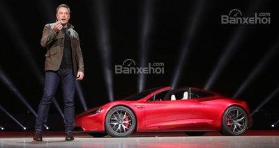 Tesla cắt giảm lượng lớn nhân sự - 1