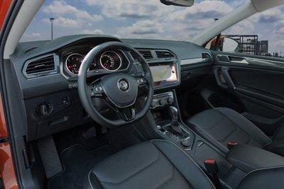 Volkswagen Tiguan Allspace 2018 giá 1,7 tỷ đồng đã xuất hiện tại các đại lý Việt Nam a3