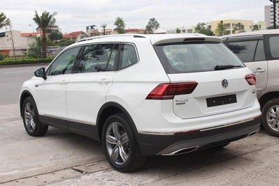 Volkswagen Tiguan Allspace 2018 giá 1,7 tỷ đồng đã xuất hiện tại các đại lý Việt Nam a9
