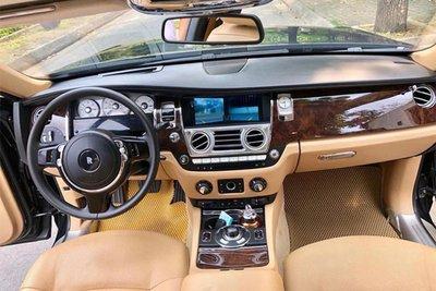 Rolls-Royce Ghost dùng 7 năm thét giá 11 tỷ 3