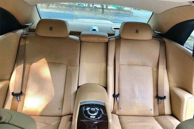 Rolls-Royce Ghost dùng 7 năm thét giá 11 tỷ 4