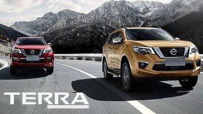 Tháng 8: Nissan Terra bán ra tại Thái Lan, sau đó sẽ nhập về Việt Nam..