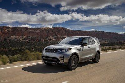 Land Rover Discovery cập nhật động cơ dầu SDV 6 và tính năng an toàn mới z