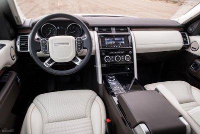 Land Rover Discovery có thêm tính năng cảnh báo nguy hiểm Clear Exit Monitor 2