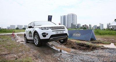 Dàn xe Land Rover hàng chục tỷ lội bùn trải nghiệm ở Hà Nội5