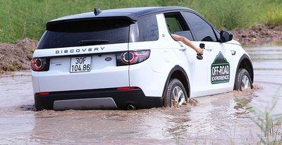 Dàn xe Land Rover hàng chục tỷ lội bùn trải nghiệm ở Hà Nội8