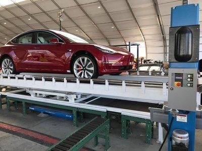 Tesla Model 3 vẫn sản xuất kể cả khi nhà xưởng chưa hoàn thành 3