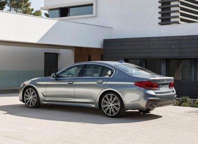 """Tóm gọn """"hàng hiếm"""" BMW 5-Series thế hệ mới lăn bánh tại Hà Nội a9"""