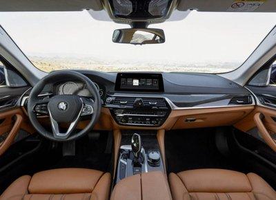 """Tóm gọn """"hàng hiếm"""" BMW 5-Series thế hệ mới lăn bánh tại Hà Nội a3"""