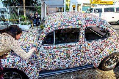 Volkswagen Beetle gây sửng sốt với bộ cánh in ảnh 1.500 cầu thủ World Cup 2018 2.