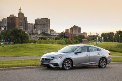 Honda Insight 2019 - Xe hybrid giá bình dân chỉ từ 523 triệu tại Mỹ