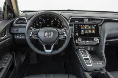 Khoang nội thất của Honda Insight 2019.