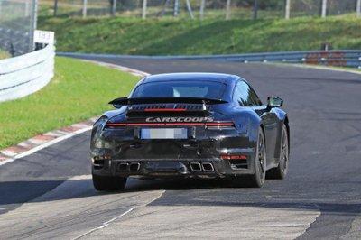 Porsche 992 Carrera 2019 đạt hiệu suất vận hành 450 mã lực 3.